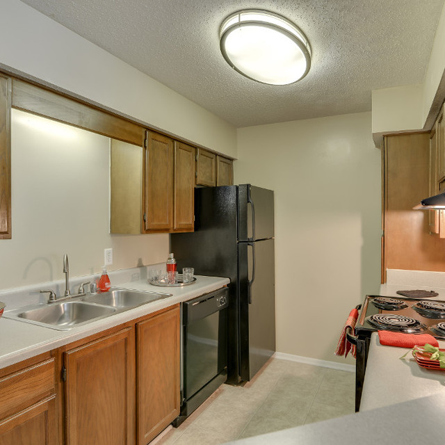Colony Woods Apartments, Birmingham, AL - Three Bedroom